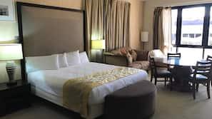 Premium bedding, in-room safe, individually furnished, desk