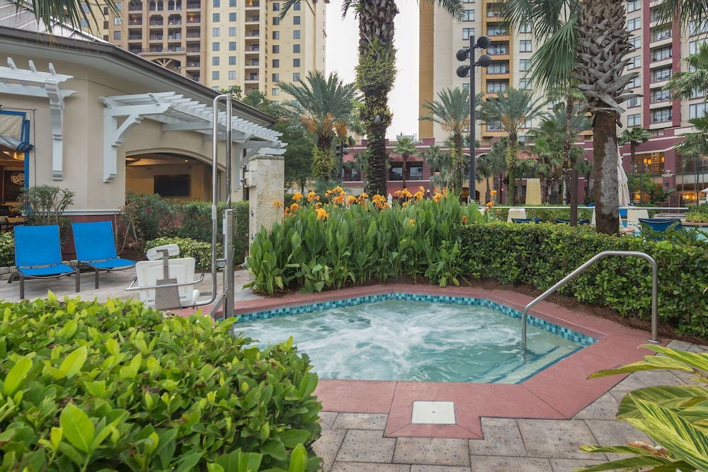 Outdoor Spa Tub, Wyndham Grand Orlando Resort Bonnet Creek