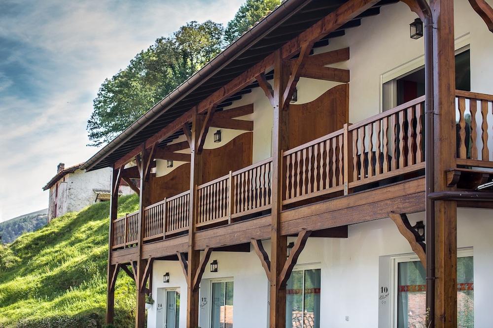 erreguina in banca hotel rates reviews on orbitz. Black Bedroom Furniture Sets. Home Design Ideas