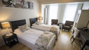 Down comforters, minibar, in-room safe, desk