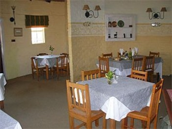 In-Room Dining, Umzimkulu River Lodge