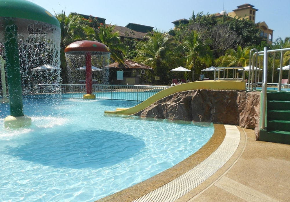 Outdoor Pool, Resorts World Langkawi
