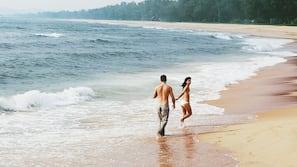 Private beach nearby, beach cabanas, sun loungers, beach towels