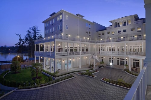 Prestige Oceanfront Resort, BW Premier Collection