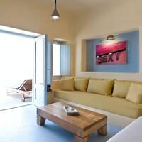 Voreina Gallery Suites (40 of 88)
