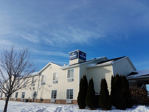 Great Place to stay Boarders Inn & Suites by Cobblestone Hotels Oshkosh near Oshkosh