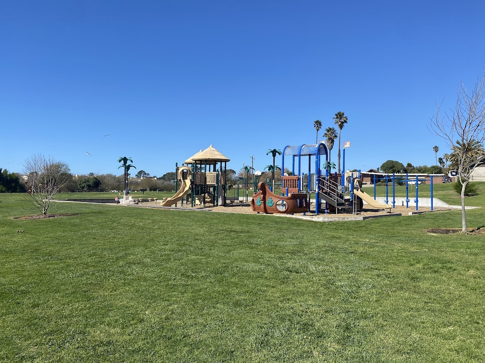 Children's Play Area - Outdoor, Oceano Inn