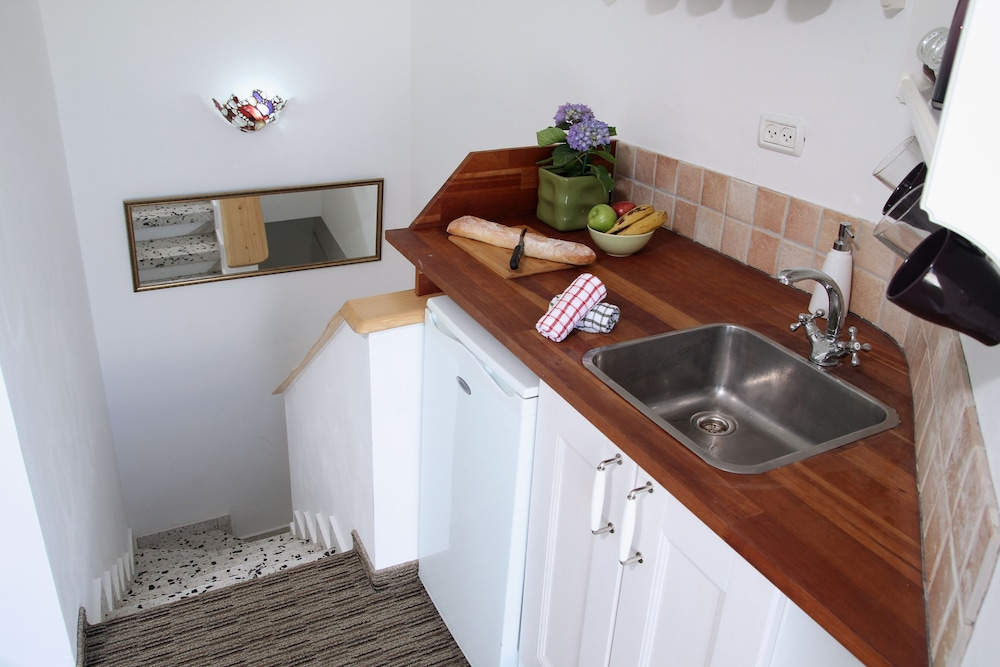 Private Kitchenette, Arbel Suites Hotel