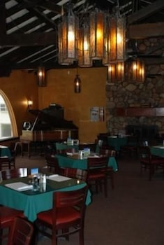 Restaurant, Historic Beaver Dam Lodge / Golf / RV Resort