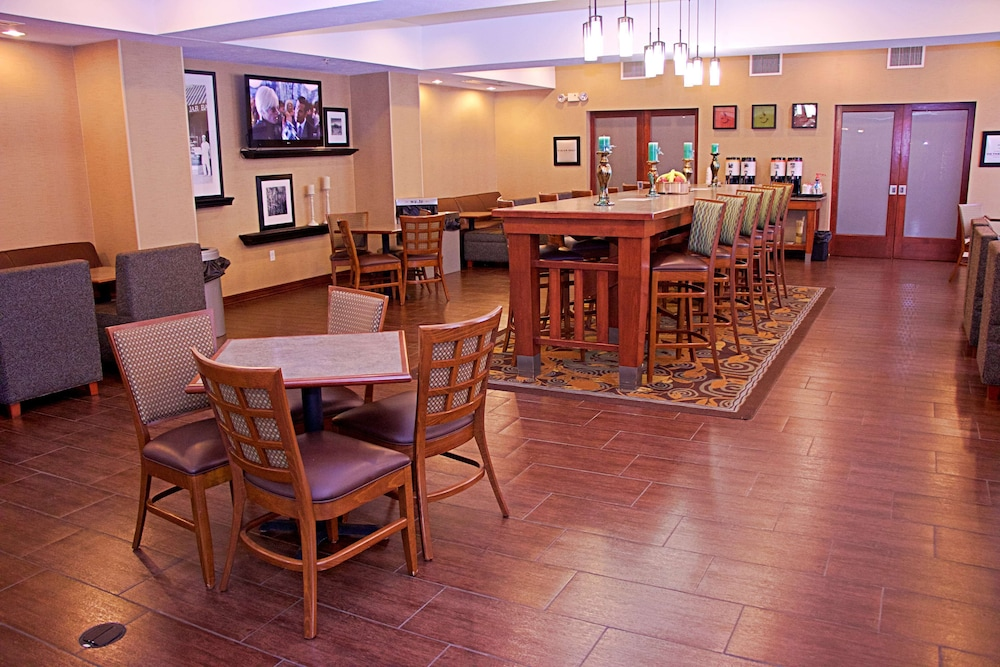 Breakfast Area, Hampton Inn Sidney NE