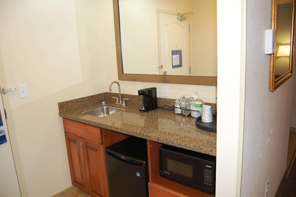 Private Kitchen, Hampton Inn Sidney NE