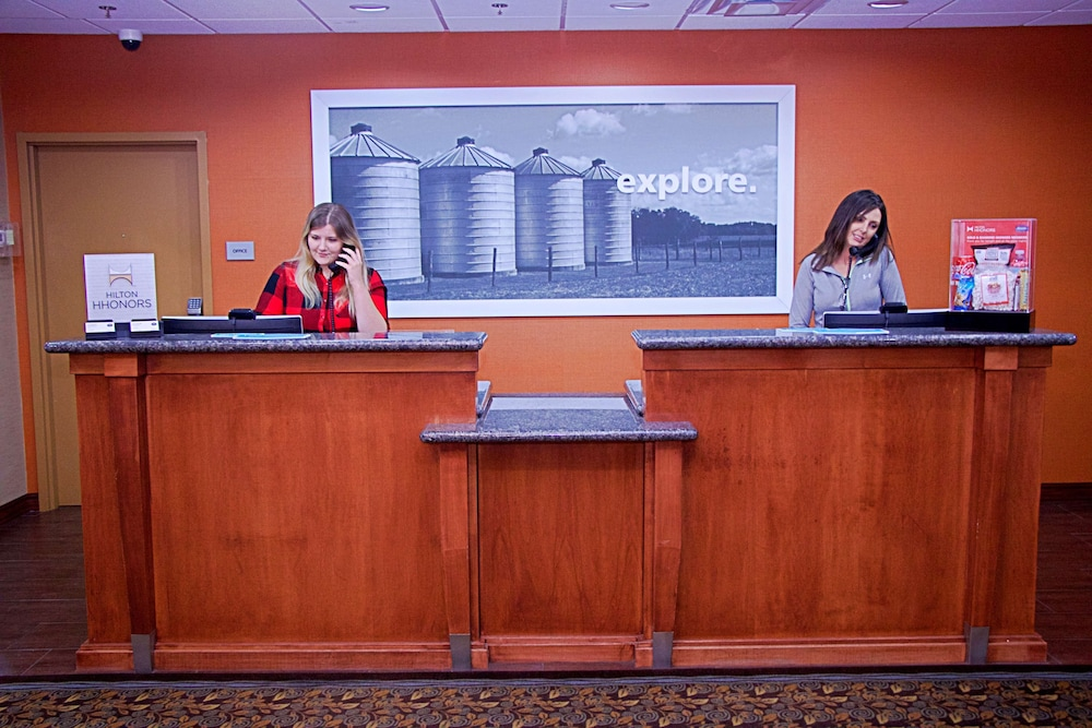 Reception, Hampton Inn Sidney NE