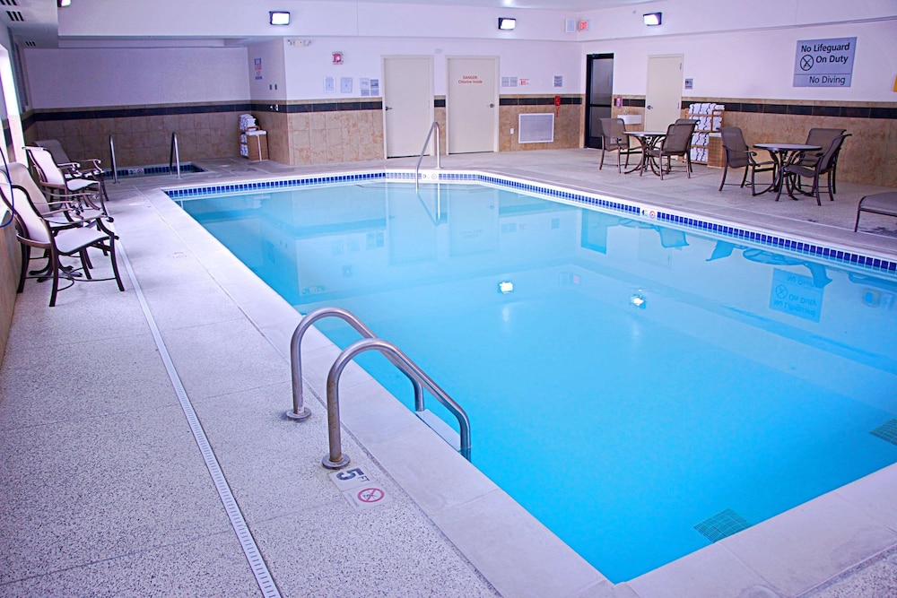 Pool, Hampton Inn Sidney NE