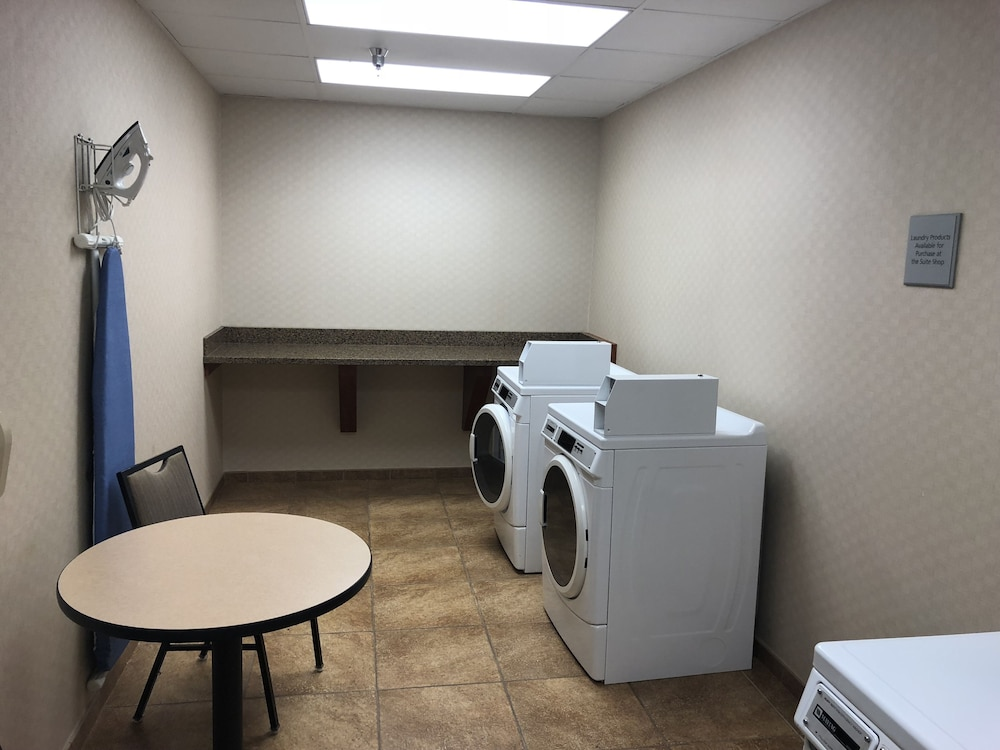 Laundry, Hampton Inn Sidney NE