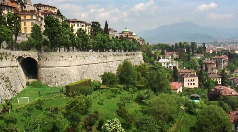 Bed and breakfast donizetti deals reviews bergamo ita for Bergamo alta hotel