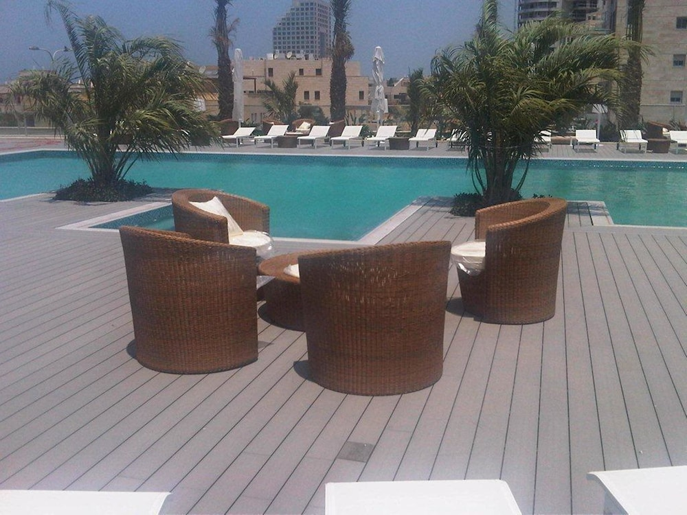 Terrace/Patio, Ramada Hotel & Suites by Wyndham Netanya