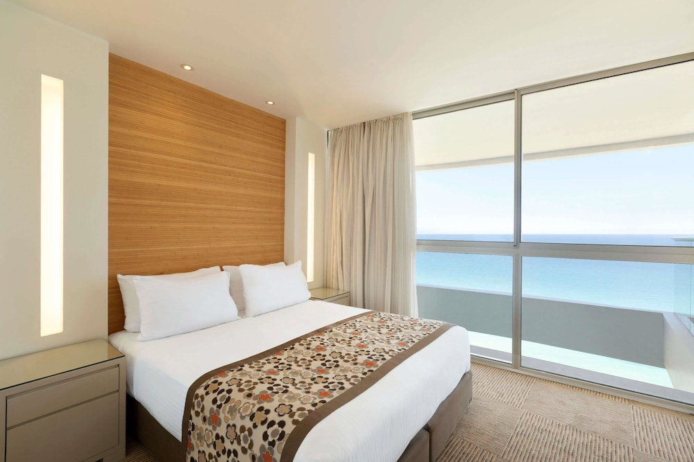 Room, Ramada Hotel & Suites by Wyndham Netanya