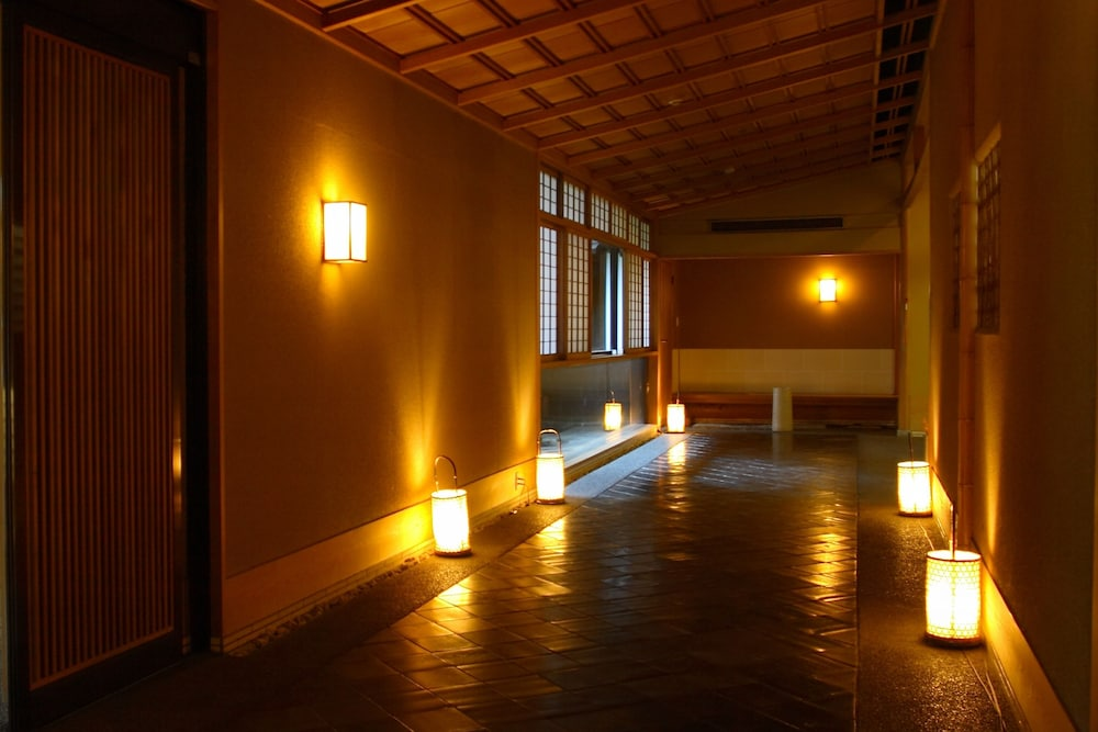 Interior Entrance, Sansuirou Ryokan