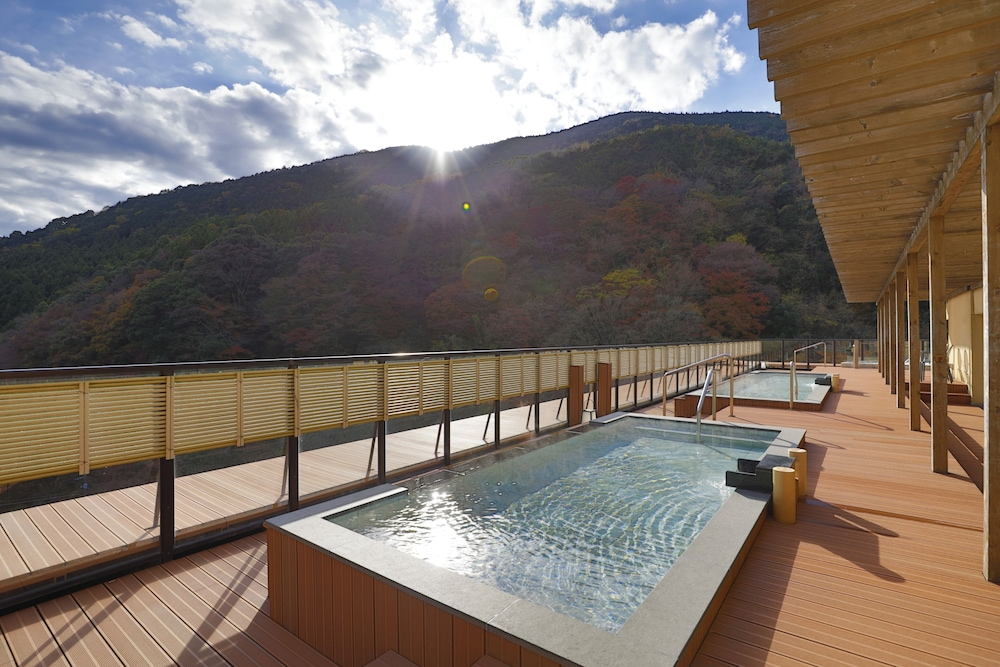 Outdoor Spa Tub, Sansuirou Ryokan