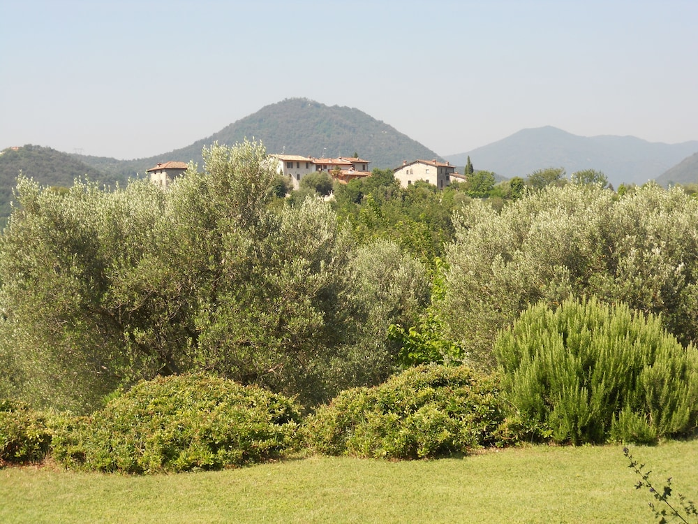 View from Property, Agriturismo Renzano Garden Apartments