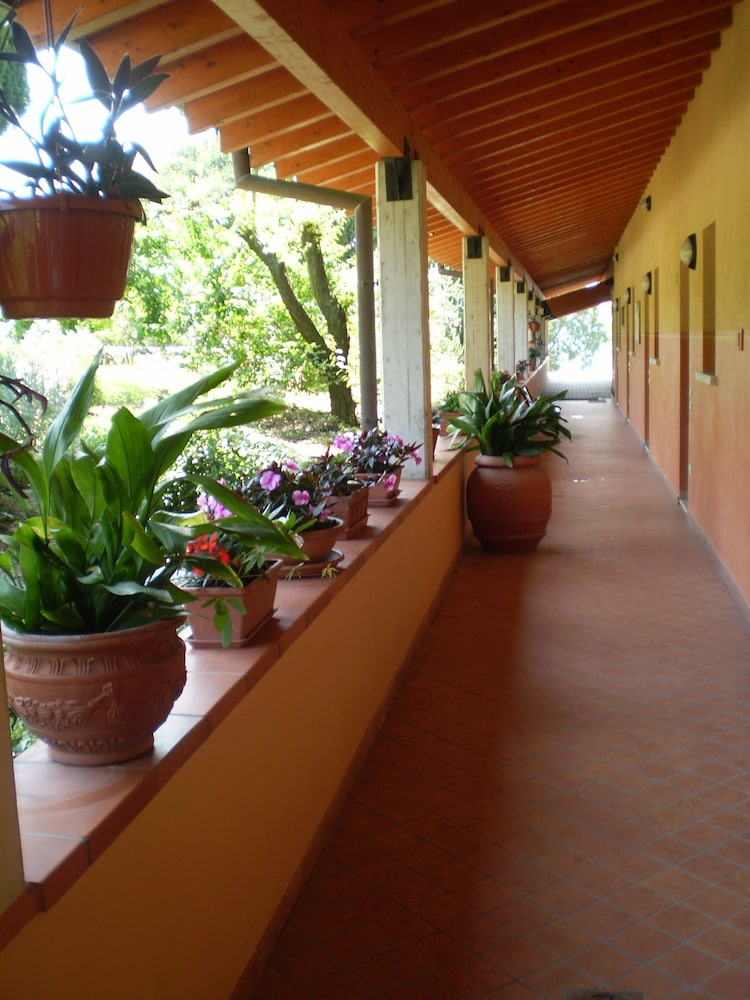 Interior Entrance, Agriturismo Renzano Garden Apartments
