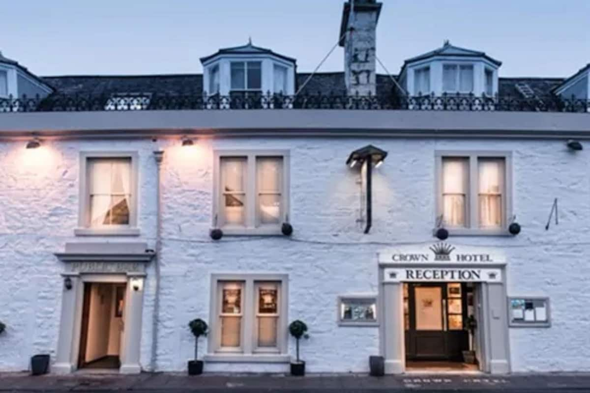 The Crown Hotel In Newton Stewart United Kingdom Expedia