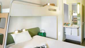 Bureau, lits bébé (gratuits), Wi-Fi gratuit, réveils