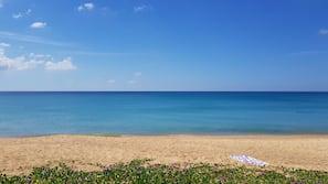 海灘、躺椅、沙灘巾、瑜珈
