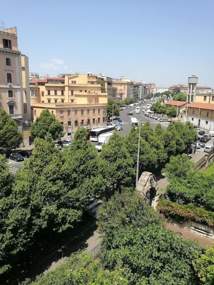 Hotel Marsala Rome
