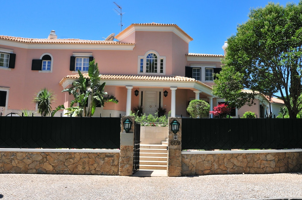 Property Entrance, The Charm of Cascais