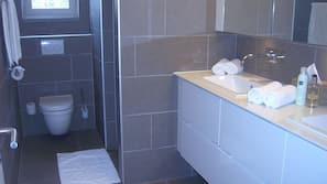Badewanne und Dusche (separat), Regendusche
