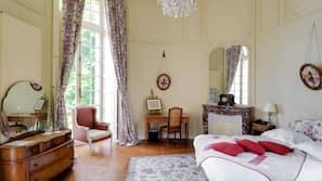 Coffres-forts dans les chambres, décoration personnalisée, Wi-Fi gratuit