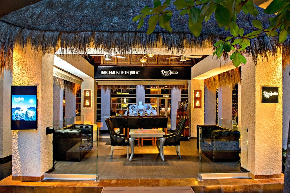 Bar, Paradisus Playa del Carmen All Inclusive