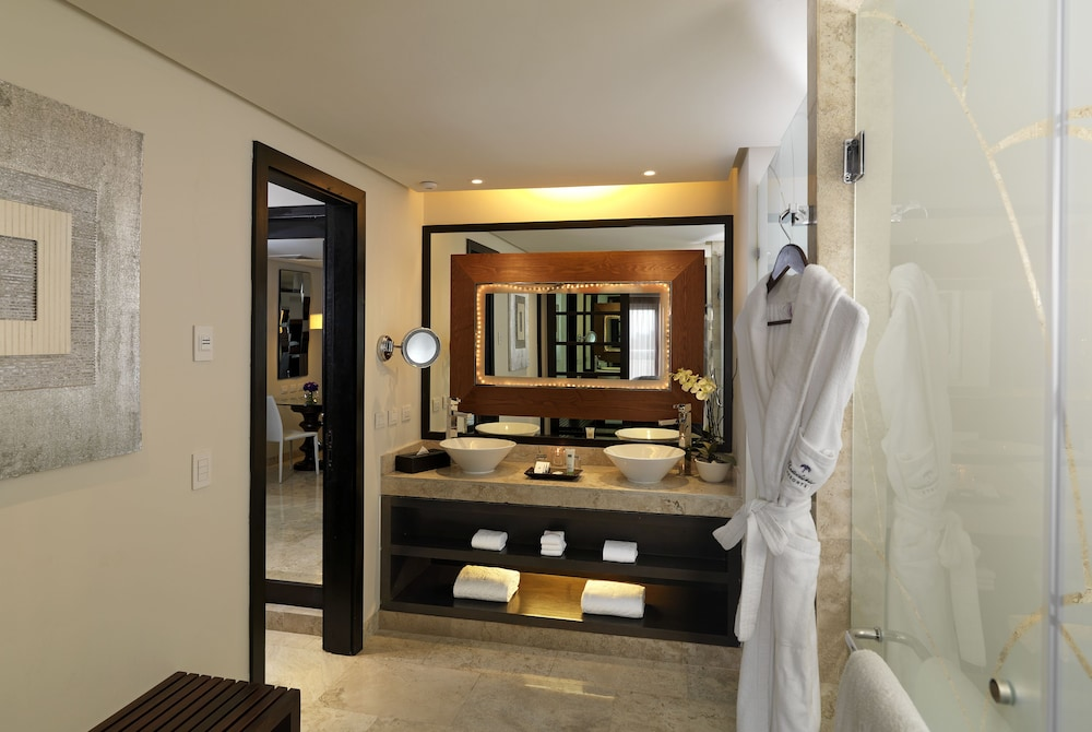 Bathroom, Paradisus Playa del Carmen All Inclusive