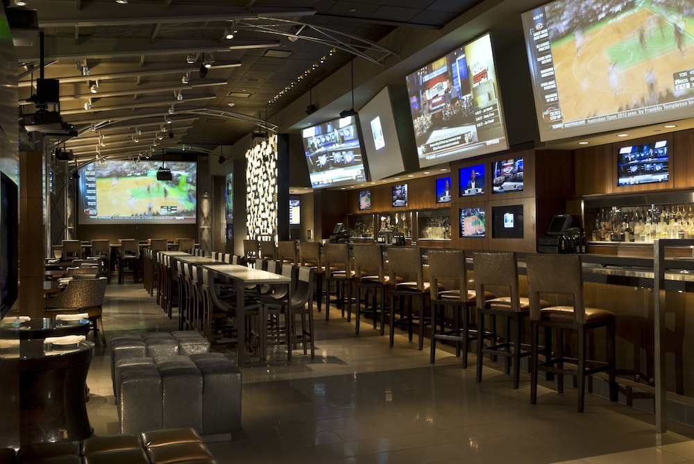 Sports Bar, Omni Dallas Hotel