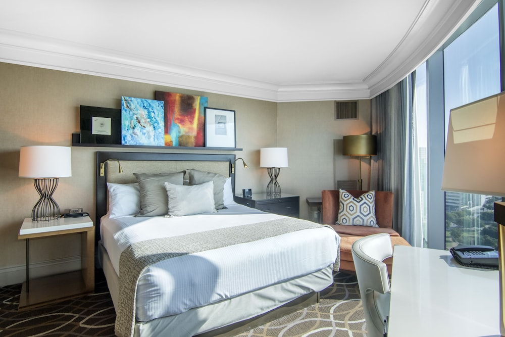 Room, Omni Dallas Hotel