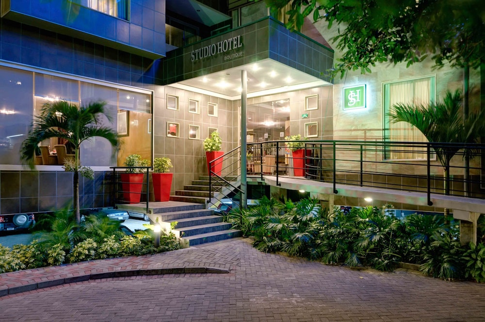 Front of Property - Evening/Night, Studio Hotel Boutique