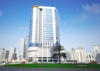 Cheap Dubai Vacations & Travel Packages: Flight + Hotel