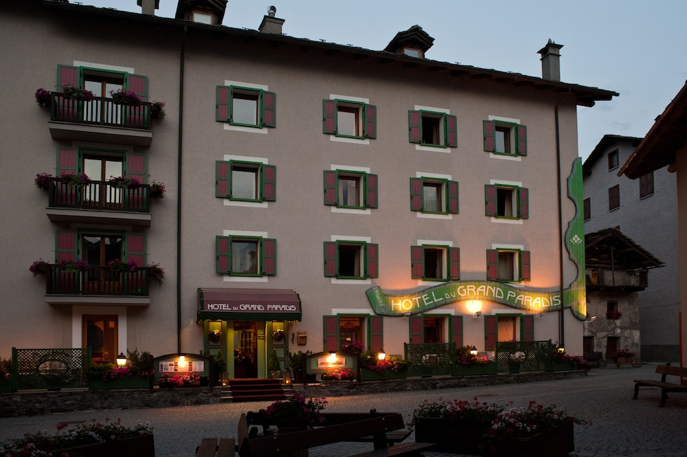 Front of Property - Evening/Night, Hotel du Grand Paradis
