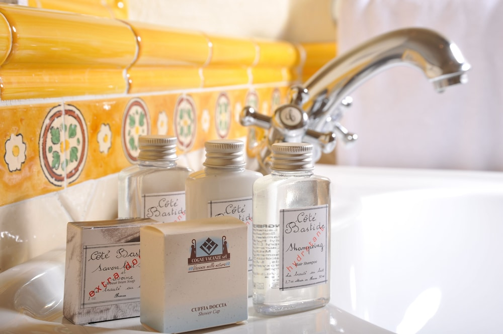 Bathroom Amenities, Hotel du Grand Paradis
