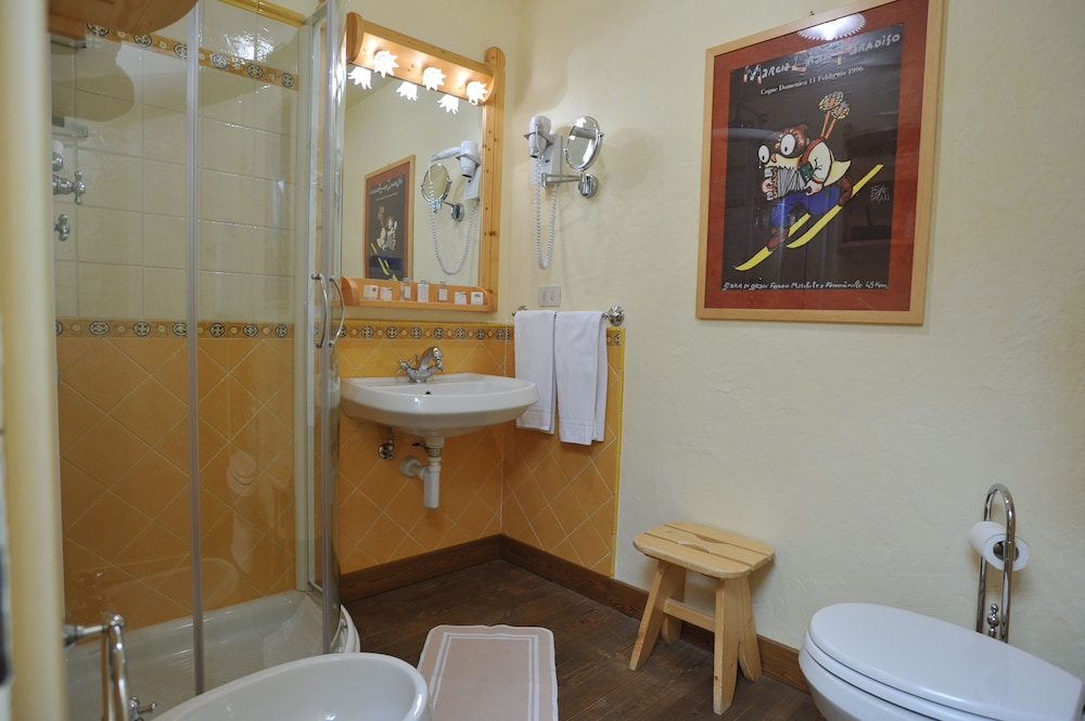 Bathroom, Hotel du Grand Paradis
