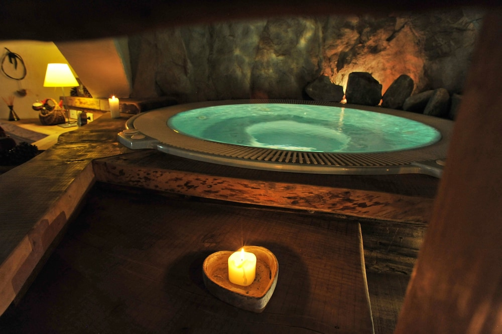 Indoor Spa Tub, Hotel du Grand Paradis