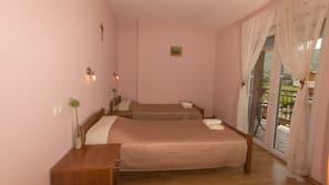 Premium bedding, Select Comfort beds, desk, free cots/infant beds