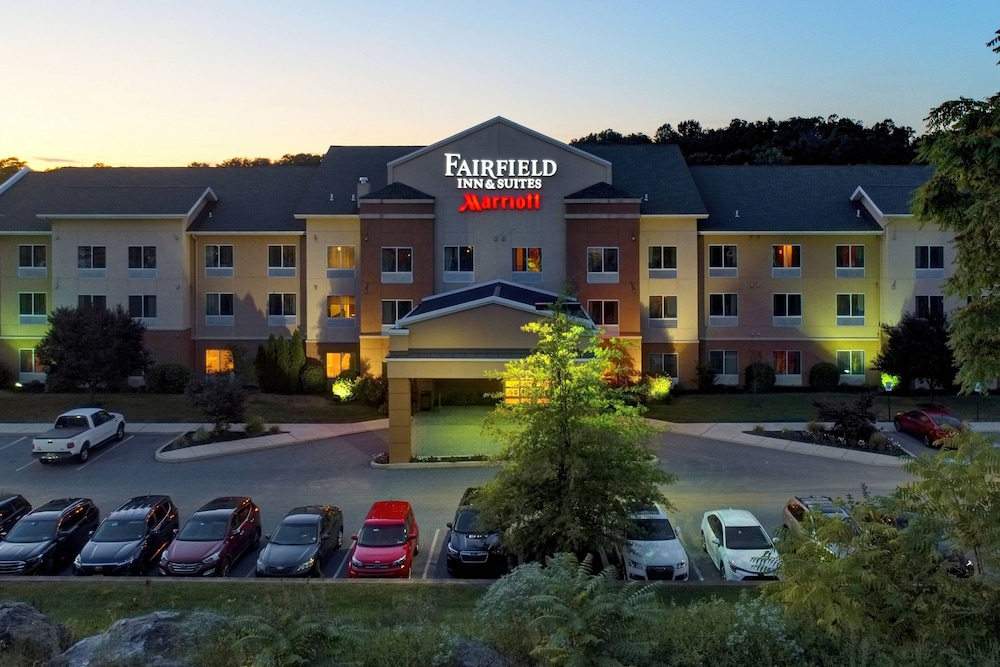 Exterior, Fairfield Inn & Suites by Marriott Harrisburg West