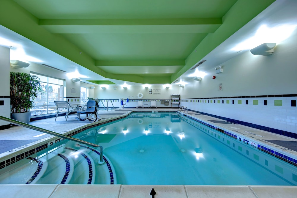 Indoor Pool, Fairfield Inn & Suites by Marriott Harrisburg West