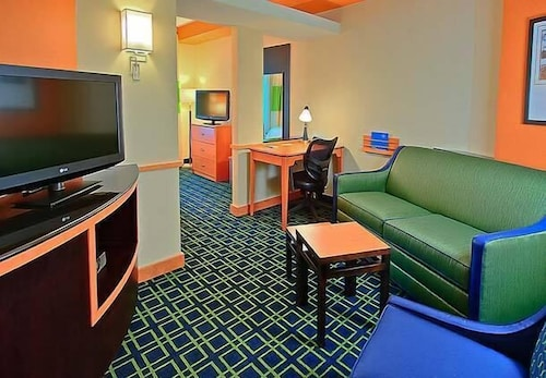 Room, Fairfield Inn & Suites by Marriott Harrisburg West