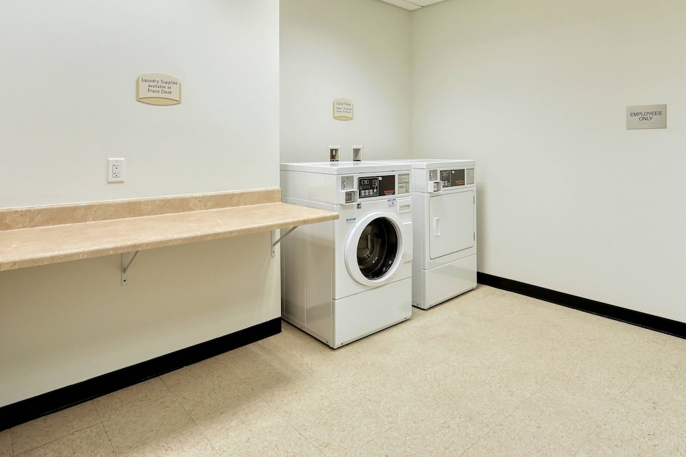 Laundry, Fairfield Inn & Suites by Marriott Harrisburg West