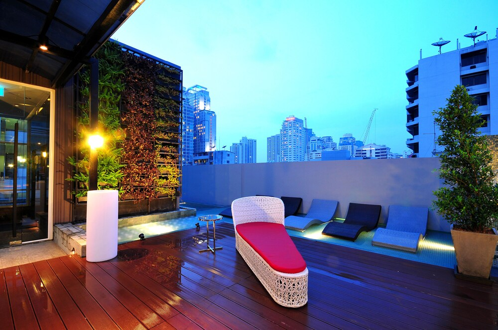 Outdoor Pool, Citrus Sukhumvit 13 by Compass Hospitality