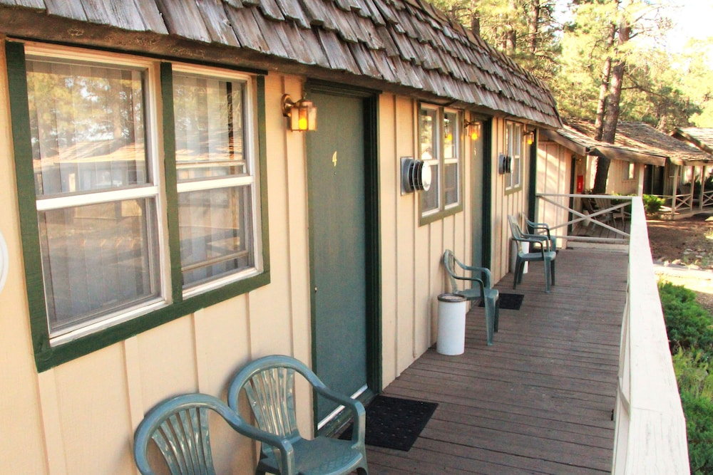 Terrace/Patio, Ski Lift Lodge & Cabins