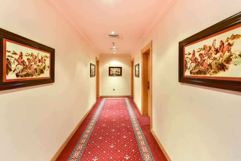 Grand Qatar Palace: 2019 Room Prices $49, Deals & Reviews